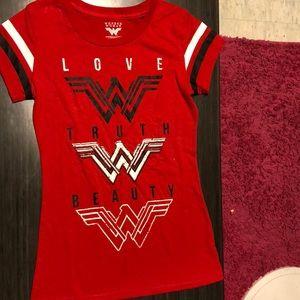 Never worn Wonder Women Marvel Shirt